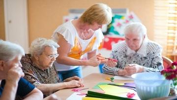 Уход и забота за пожилыми людей в СПб фото